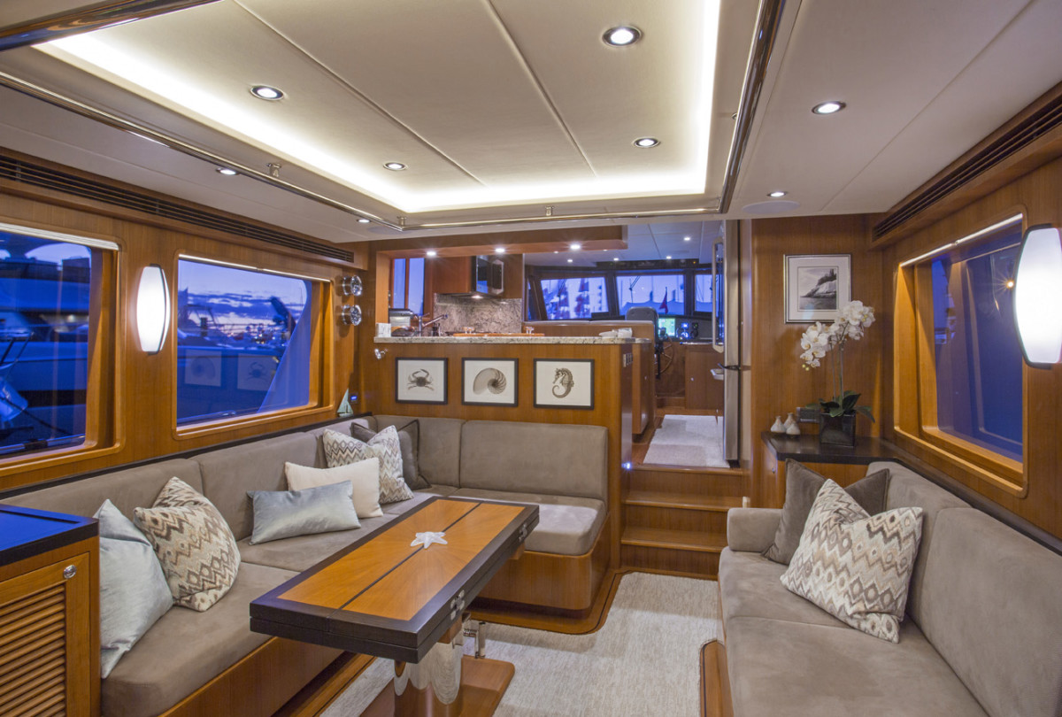 The 580 Classic sports a beamy saloon and contiguous space to the pilothouse, and never feels compromised by the spacious walk-arounds on either sidedeck.